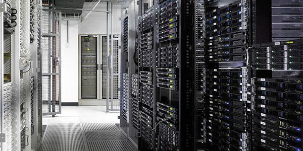 ¿Qué diferencia a los servidores dedicados de los VPS?